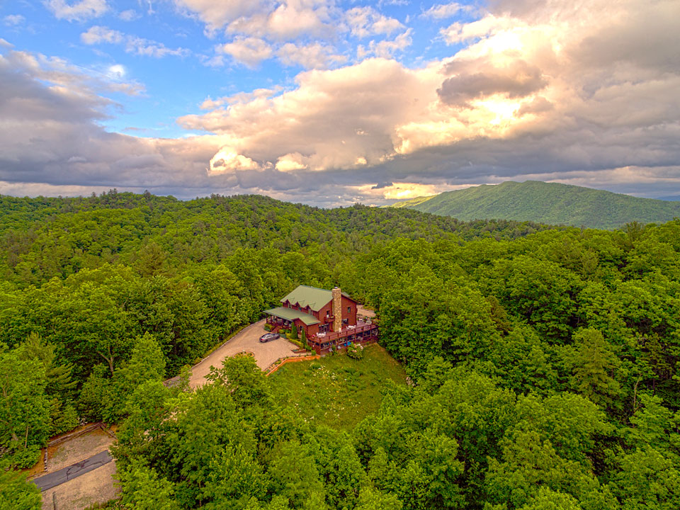 Iron Mountain Inn Bed and Breakfast - Aerial View