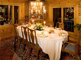 Iron Mountain Inn Bed and Breakfast - The Dining Room