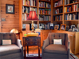 Iron Mountain Inn Bed and Breakfast - The Library